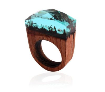 "This wooden ""Winter Ring"""